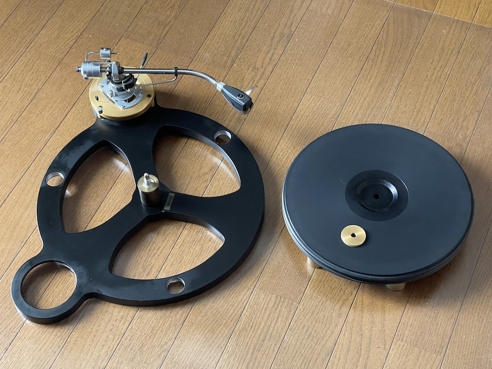 GyroDec subchasis (with SME 3009R installed) and turntable